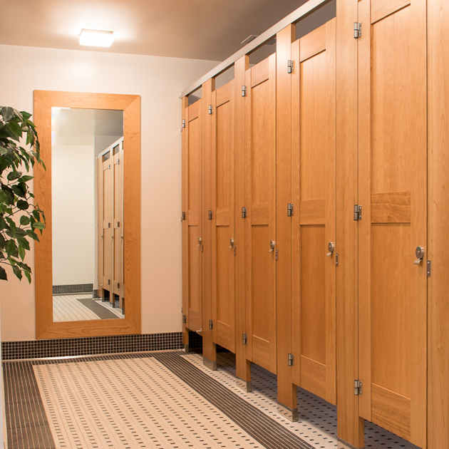 Wood Veneer Toilet Partitions